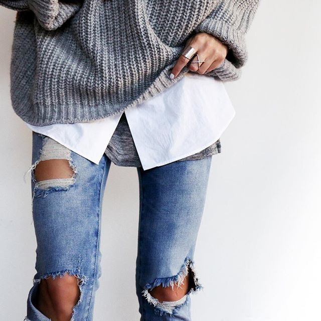 streetstyle-cozy-ripped-jeans