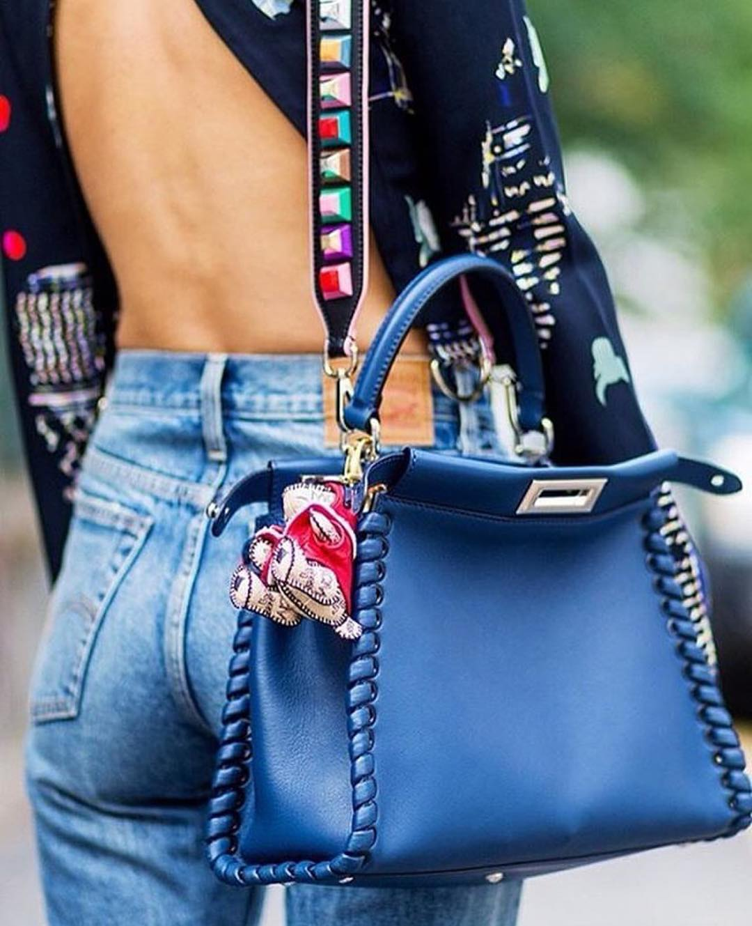 streetstyle-bag-strap-trend