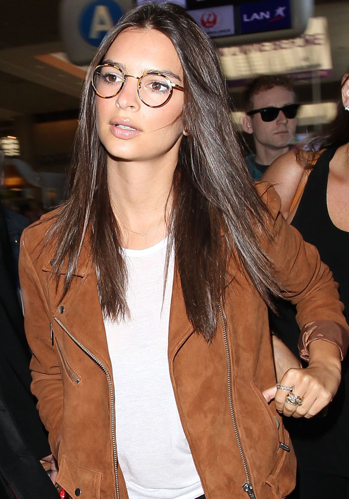 Emily-Ratajkowski-optical-glasses